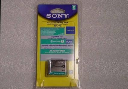Nieuwe Sony LITHIUM NP-FR1 Camrecorder Batterij   Li-ion Battery zonder memory effect.  Output Voltage: DC 3.6V  Capaciteit: 1220mAh Batterij made in Japan  ECHTE SONY NP-FR1 INFOLITHIUM RECHARGEABLE BATTERY (IN ORIGINEEL VERZEGELDE VERPAKKING)  Geschikt voor de volgende Sony modellen:   DSC-F88  DSC-P100  DSC-P100/LJ  DSC-P100/R Normale prijs circa